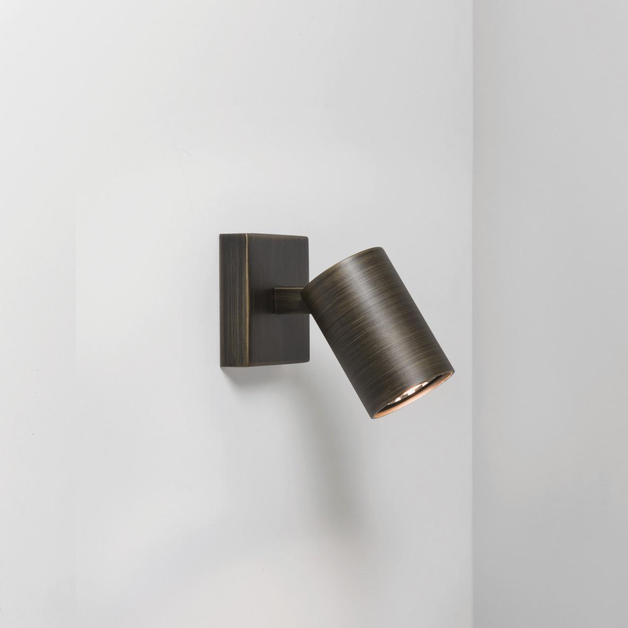 Decken- und Wandleuchte Ascoli Single von Astro, bronze