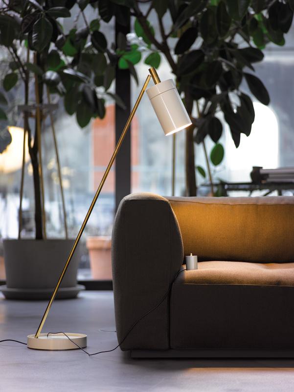 Stehleuchte NOBU von Anta perlweiss-Messing